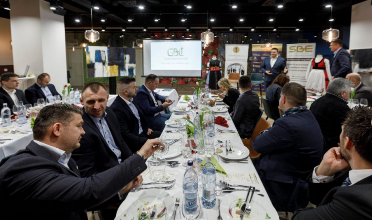 Helyi és magyarországi vállalkozók tartottak szakmai eszmecserét a dunaszerdahelyi MOL Arénában